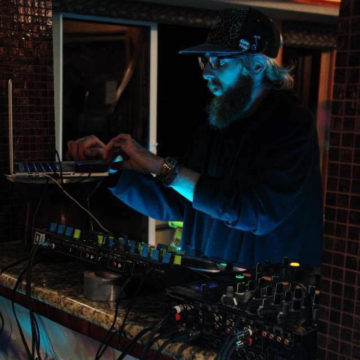 DJ J.J Dubs - Profile